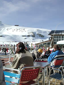 Sierra Nevada Ski Trips and Minibus Transportation Service